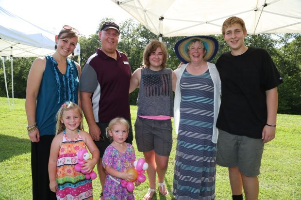 Andrea Pauley Kevin, Liz, Diane, Ben Drollinger, Taylor and Sydney Pauley