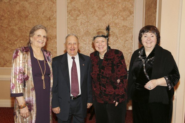 Doris and Len Eschbach, Marilyn Schulte, Judith Schulte