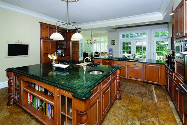 6 Countryside Ln - Kitchen-Brkfst.jpg
