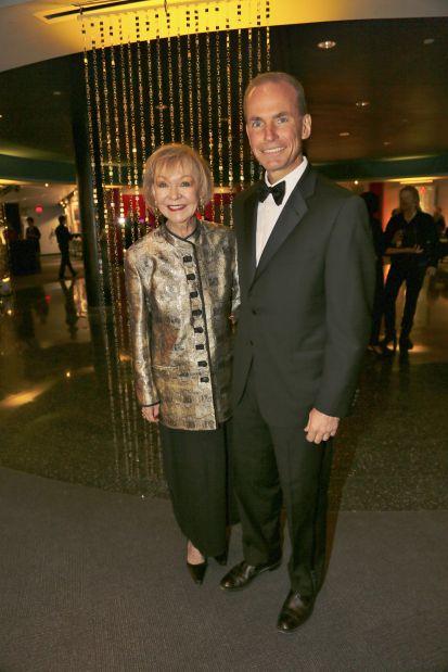 Donna Wilkinson, Dennis Muilenburg