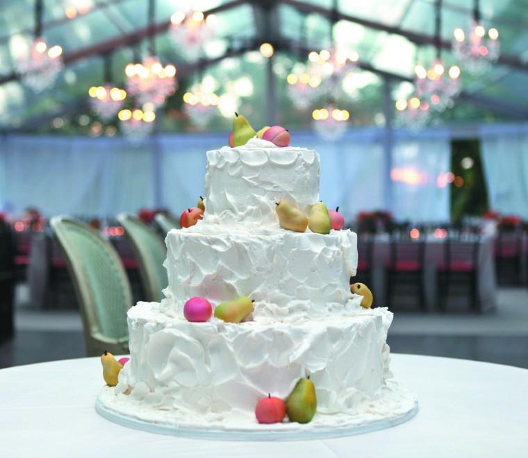 1021_ELwed6_cake.jpg