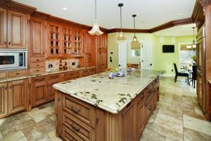 1236 Glen Eagle-Kitchen.jpg