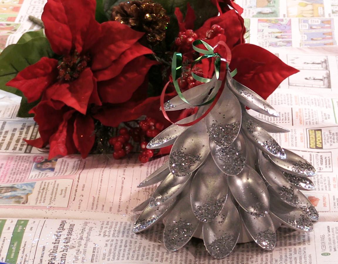 Holiday DIY: Use plast...