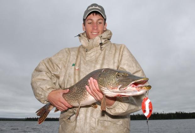 Fishing for big bucks in 39 cabela 39 s fish for millions 2013 for Lake wallenpaupack fishing report