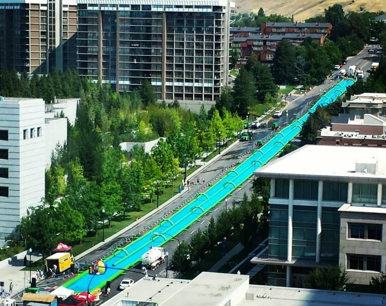 Huge water slide coming to lancaster this summer for 39 big street party 39 lancasteronline local - The giant slide apartament ...