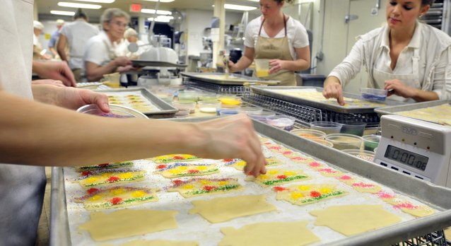 Basket Weaving Lancaster Pa : Food baskets with a lancaster county touch business