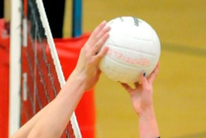 L-L VOLLEYBALL: Spartans shift into high gear
