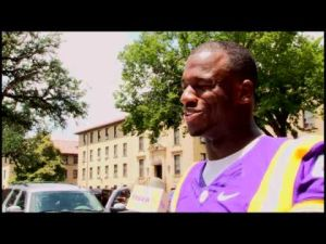 LSU Football Gives Back to New Students on Move-In Day