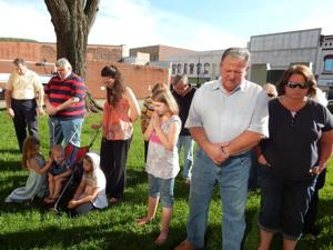 Crowd gathers at courthouse for National Day of Prayer event
