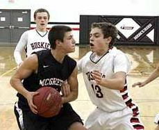 Cole Gelhar tossed in 21 points in the Mercs' one-point loss to Nashwauk-Keewatin.