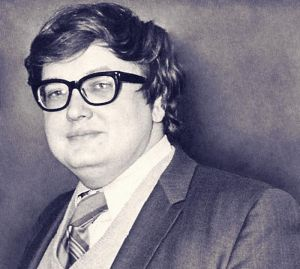 Roger Ebert's prodigious life is lovingly reviewed.
