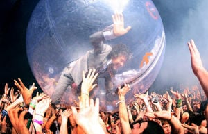 10 Reasons the Flaming Lips May Not Be Earthlings