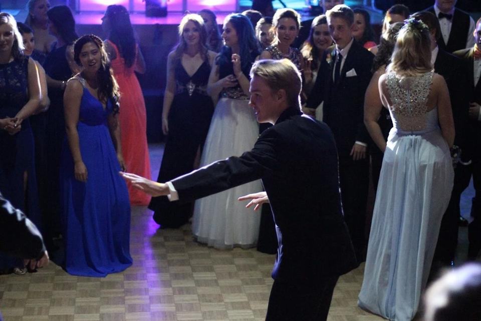 Gallery lake norman high prom 2016 mooresville tribune for Edge motors mooresville nc