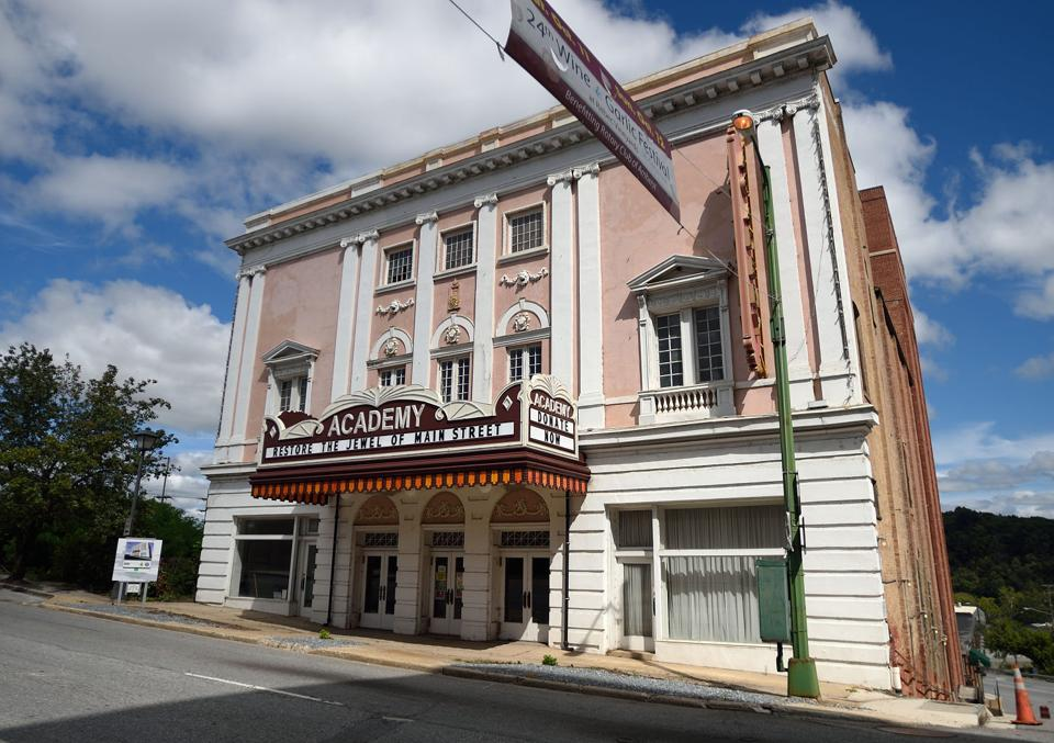 academy of music theatre restoration efforts boosted by