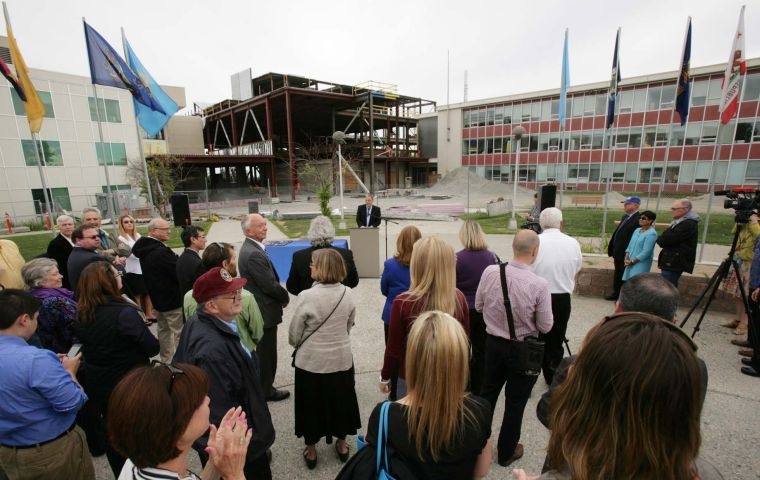 Parnell signs uaf power plant other bills in fairbanks - Interior community health center fairbanks ...