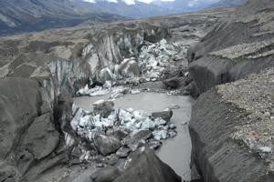 Canada glacier melt rerouted in rare case of 'river piracy'