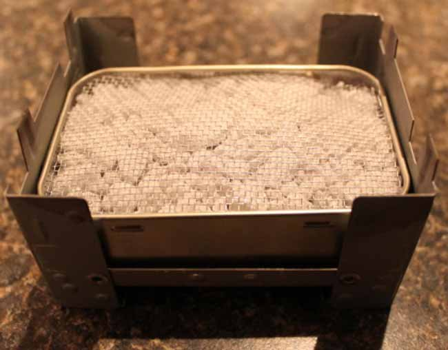 Easy pocket Altoid stove handy for wilderness travel