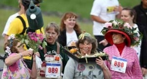Midnight Sun Run brings out the best — and wackiest — of Fairbanks