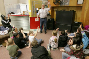Former powerlifter teaches Alaska kids to build character