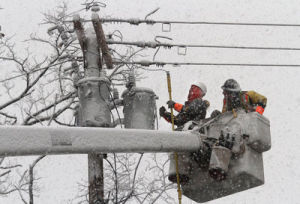 IBEW power linemen join thousands in Northeast