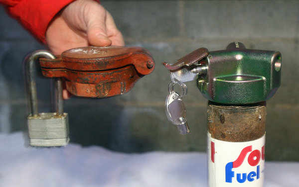 Heating oil thieves target empty homes around Fairbanks
