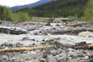 Alaska Highway reopens after 'perfect storm'