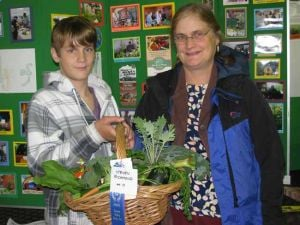 Teen takes home several prizes for vegetable and flower displays at Tanana Valley State Fair