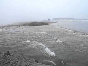 Dalton Highway flooding, May 21, 2015