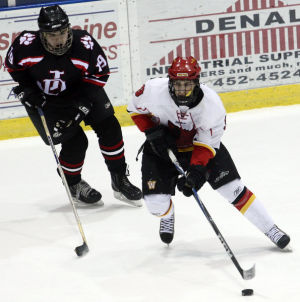 West Valley Wolfpack beats Juneau-Douglas Crimson Bears on ice