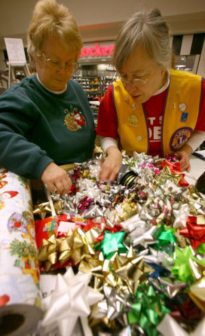 Nonprofit wraps up Christmas at Bentley Mall