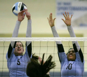 Valdez, Monroe spikers meet in Aurora winner's bracket final