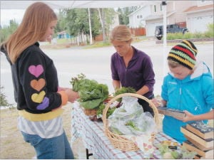 Fairbanks students learn to grow, harvest, sell veggies