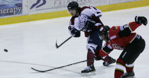 Ice Dogs edge Ice Rays in shootout