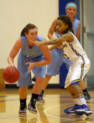 Nanooks fall to Upper Iowa in North Star Invitational opener