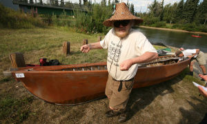 Wooden boat enthusiasts gather for annual Fairbanks float