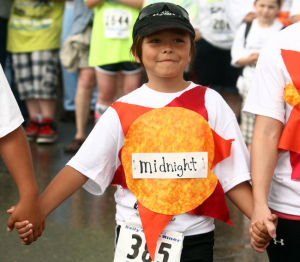 Costume contest shows off lighter side of Fairbanks' Midnight Sun Run