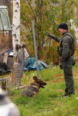 Police seek 2 suspects in south Fairbanks shooting