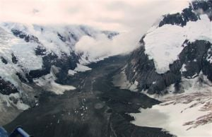 Massive landslide covers up Alaska glacier