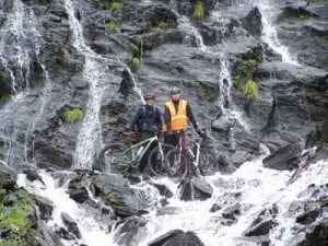 Teens hit the road, bike it from Fairbanks to Valdez
