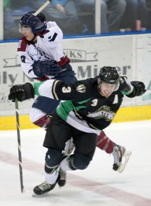 Newell's two goals lead Ice Dogs past Fresno