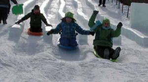Fairbanks kids spend spring break at the ice park