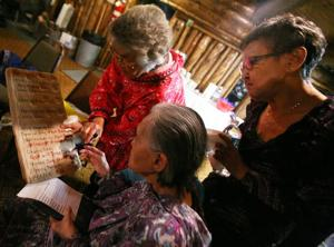 After 40 years, Inupiaq singers gather for final KJNP radio show