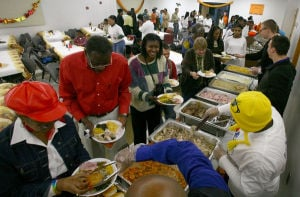 Friends revive Fairbanks community Thanksgiving dinner tradition