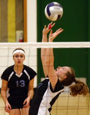 Malemutes rally for four-set win over Hawks