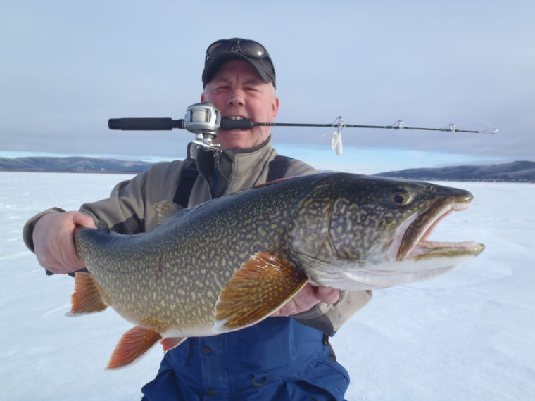 Ice fishing guru to give seminar in fairbanks outdoors for Lake trout ice fishing
