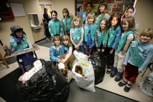 Fairbanks Girl Scouts help make shelter more comfortable for dogs