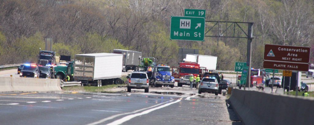 platte city women A 79-year-old platte city woman was killed in one of two accidents that closed all southbound and northbound lanes of interstate 29 on thursday afternoon.