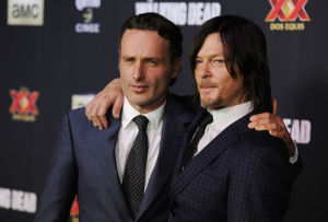 The Shuffle: 'Walking Dead' finally coming alive