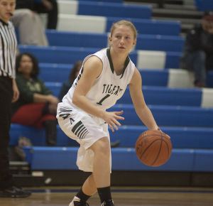 Holiday Tourney: Adairsville girls top Coosa, 44-27