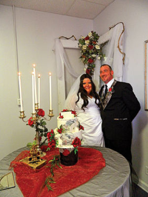<p>The newlywed Jennifer and John Turner. (Catoosa News photo/Samantha Ward)</p>